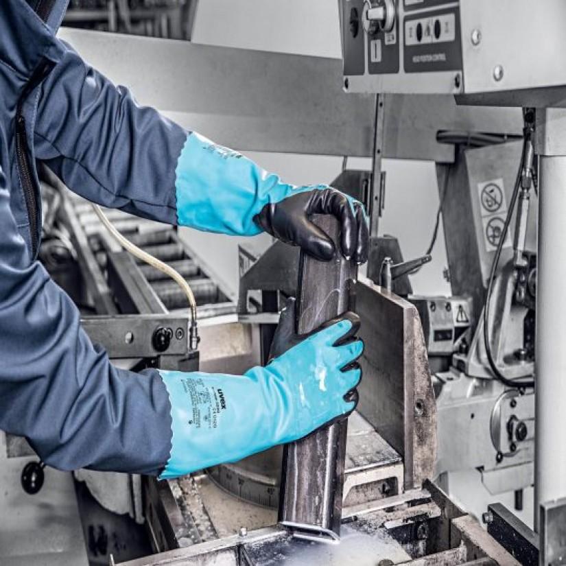 Как правильно надевать и снимать химические защитные перчатки